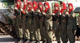 مجاهدین خلق با روسری سرخ