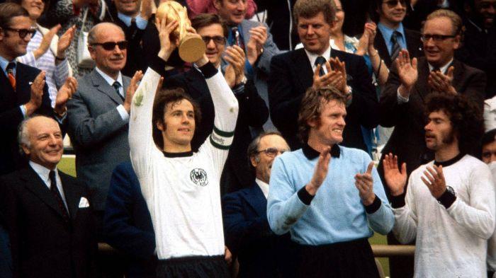 فرانتس بکن بائر تیم آلمان در جام جهانی 1974