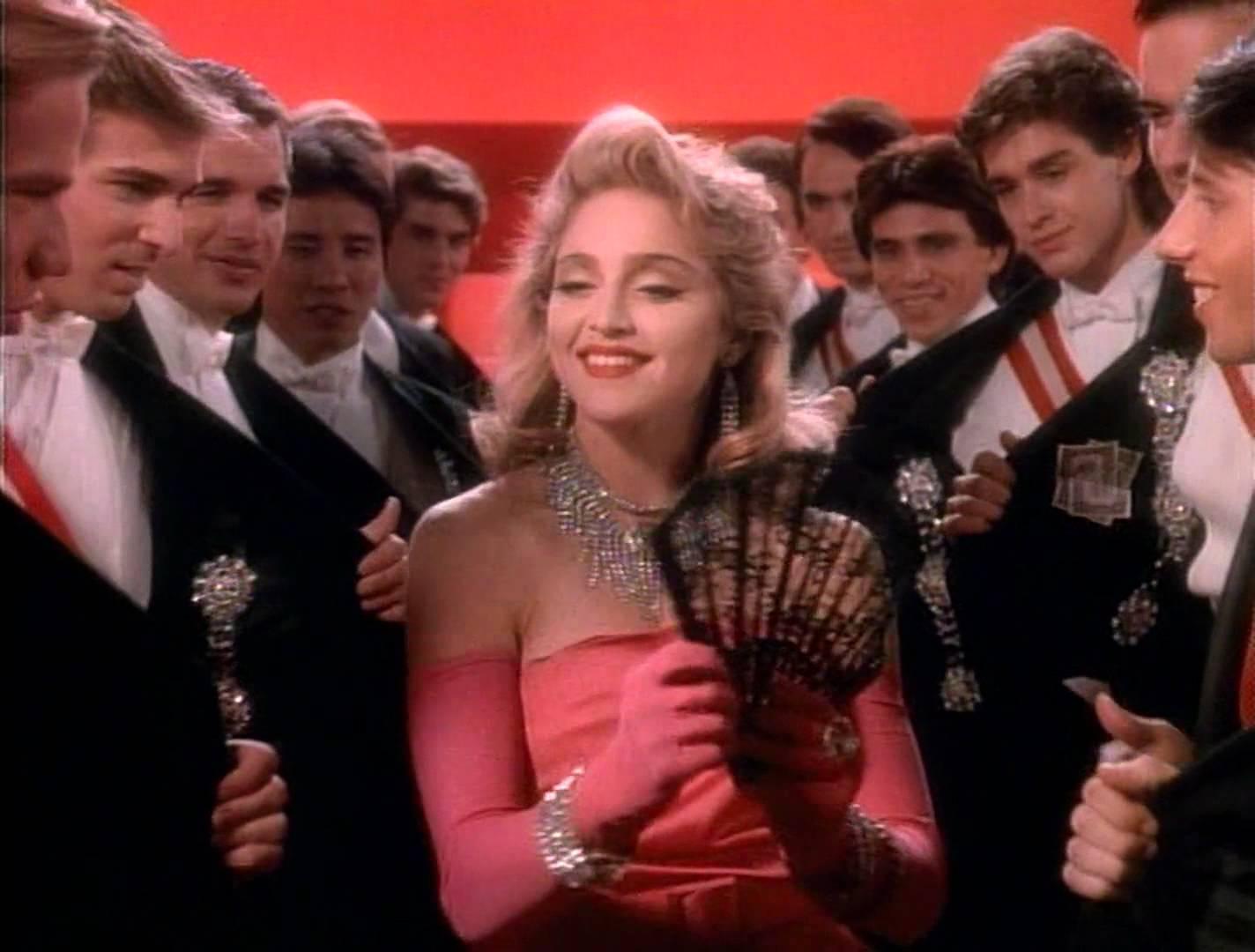 آهنگ Material Girl از Madonna